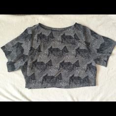 ASTR Black and White Pattern Crop Top Never worn, size S Astr Tops Crop Tops