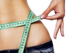 Este plan de dieta te ayudará a perder hasta 4 kilos en 1 semana. Sí quieres perder más peso puedes repetir este plan hasta un mes. Es una dieta balanceada que además de ayudarte a bajar de peso te enseñará a comer de una forma saludable y equilibrada. Recuerda caminar 1 hora diaria, evitar las grasas y alimentos como plátano, mango, mamey, papa y elote.