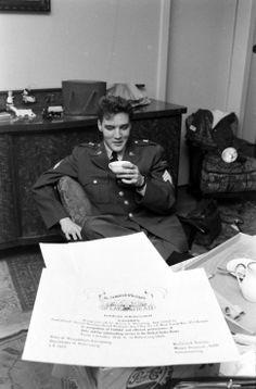 Elvis Presley, 1960   Return of the King: When Elvis Left the Army