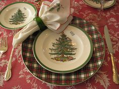 Spode tableware on a tablecloth which is completely wrong. Try a rich silk brocade layered with velvet, lace and touches of leopard chiffon scarves. Christmas Tree Collection, Christmas Tree On Table, Blue Christmas Decor, Christmas China, Spode Christmas Tree, Christmas Dishes, Christmas Table Settings, Christmas Tablescapes, Christmas Love