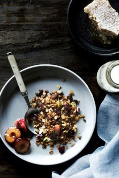 9x recepten voor een stevig ontbijt - Granola | ELLE Eten