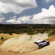 #ThierryNeuville crossed the finish line very #first! - @hyundai_company - #결승선 을 가장 먼저 통과한 #티에리누빌! - #Hyundai_World_Rally #WRC #Italia #Rally #DaniSordo #HaydenPaddon #i20 #motorsport #sky #cloud #road #victory #daily #photo #현대월드랠리 #모터스포츠 #레이스 #이탈리아 #다니소르도 #헤이든패든 #하늘 #우승 #일상 #현대자동차 #자동차 #자동차그램