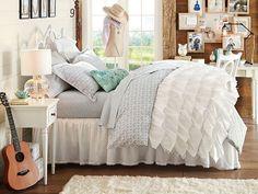 I love the PBteen Amanda Florette Bedroom on pbteen.com