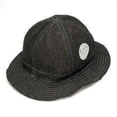 2014 FW. Reversible bucket hat.