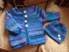 Marble chunky cardigan and hat with wooden buttons