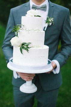 Свадебный торт в стиле рустик.