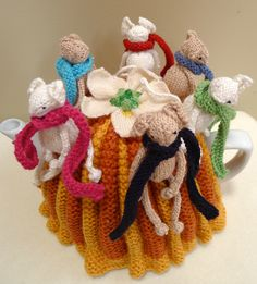 Harvest Mice Tea Cosy Knitting pattern by Jenny Occleshaw Tea Cosy Knitting Pattern, Knitting Patterns, Crochet Flower Tutorial, Crochet Flowers, Knitted Tea Cosies, Harvest Mouse, Real Fairies, Tea Cozy, Cozies