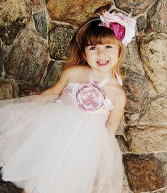 Vestidinhos especiais Tiaras encantadoras curta nossa page no facebook Xiquitas Acessorios