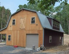 24 39 x 28 39 raised roof gambrel garage with 8 39 overhang in for 30x40 shop with loft