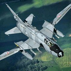 """Great picture of Polish Air Force Sukhoi """"Fitter-K"""" Military Jets, Military Weapons, Military Aircraft, Air Fighter, Fighter Jets, Mig 21, Airplane Design, Sukhoi, Aircraft Design"""