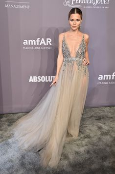 Elizabeth Sulcer attends the 2018 amfAR Gala New York at Cipriani Wall Street on February 7, 2018 in New York City.