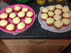 Vanilla sponge with butter cream! Nice and simple x