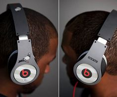 Jeff Staple designed these Beats by Dr. Dre Studio headphones with a pigeon on it.