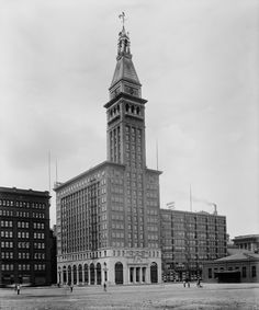 Montgomery Ward Building on Michigan Avenue, 1900