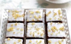 Mary Berry's treacle traybake. Muscovado sugar, black treacle, mixed spice, allspice, stem ginger. Icing: stem ginger syrup, stem ginger bulbs, icing sugar.