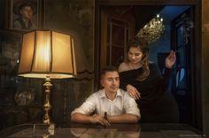 Retro Verlobungs Shooting | Vintage Foto Shooting bevor der Hochzeit in die Altstadt von Frankfurt am Main in den Great Gatsby style Engagement Inspiration, Frankfurt, Retro, Gatsby, Old Town, Wedding Photography, Retro Illustration