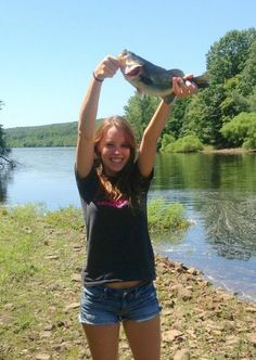 Country girl on pinterest country girls bow fishing and for Country girl fishing