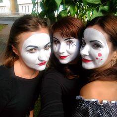 Mime Makeup, Halloween Face Makeup, Mudding Girls, Female Clown, Cute Clown, Circus Costume, Hair Goals, Straight Hairstyles, Curly Hair Styles