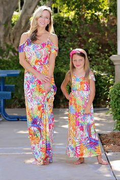 Adorable trendy matching sunshine maxi dress for mother and daughter. Large selection of matching maxi dresses to choose from to find the perfect look. Mommy And Me Dresses, Mommy And Me Outfits, My Outfit, Dress Outfits, Matching Outfits, Daughter, Clothes, Photo Shoot, Collections