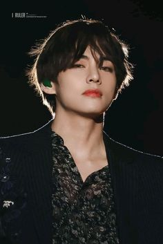 How does someone just stand there staring and, cause us army to become weak in the knees? The power of Kim Taehyung! Bts Taehyung, Bts Bangtan Boy, Namjoon, Taehyung Photoshoot, K Pop, Daegu, Foto Bts, Sunshine Line, Bts Kim