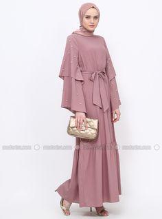 The perfect addition to any Muslimah outfit, shop Tavin's stylish Muslim fashion Dusty Rose - Crew neck - Unlined - Dress. Muslim Women Fashion, Modern Hijab Fashion, Hijab Fashion Inspiration, Abaya Fashion, Kimono Fashion, Modest Fashion, Fashion Dresses, Abaya Mode, Mode Hijab