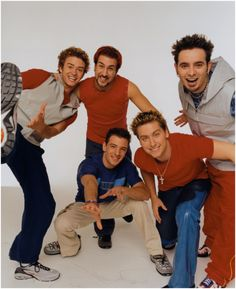 I use to LOVE NSYNC! Still do! Wish they do a concert tour soon!