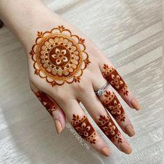 Circle Mehndi Designs, Pretty Henna Designs, Rose Mehndi Designs, Latest Henna Designs, Finger Henna Designs, Henna Tattoo Designs Simple, Henna Art Designs, Mehndi Designs For Beginners, Unique Mehndi Designs