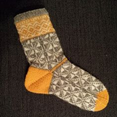 tantulltuss.blogg.se - Knitting Socks, Knitting Ideas, Slippers, Sewing, Crochet, Knits, Barn, Hands, Knit Socks