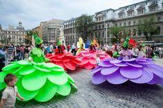 B-FIT in the street, Bucharest, Romania 2014 - photo by Petru Ivu - international festival of street theatre