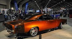 Just a car guy : Hinkle's Hot Rods has another hit, beautiful 1969 Charger R/T with a hemi