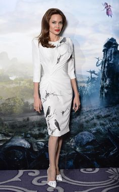 """Angelina Jolie is Ladylike in Versace Dress at """"Maleficent"""" London Photocall"""
