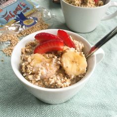 We love the flavor combo in this Overnight Refrigerator Strawberry Banana Coconut Steel Cut Oatmeal from @juliajolliff acedarspoon.com