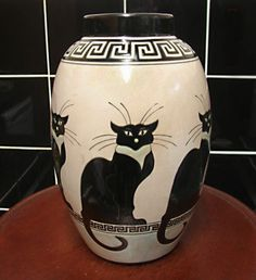 Black Cat Art Deco Vase by Keralouve – La Louvière, Belgium