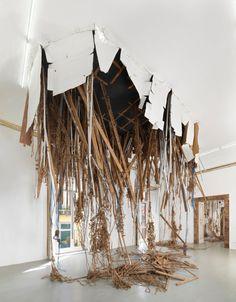 installation and sculpture ile ilgili görsel sonucu Contemporary Sculpture, Contemporary Art, Street Art, Instalation Art, Plastic Art, Art Sculpture, Conceptual Art, Art Plastique, Oeuvre D'art