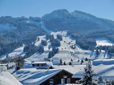 Nesselwang ist ein Luftkurort ganz in der Nähe von Füssen in den Allgäuer Alpen. Wir bieten Ihnen einen hohen Freizeitwert, Sommer wie Winter. Winter, Skiing, Places, Travel, Outdoor, Annual Leave, Ski, Bavaria, Summer Recipes