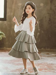 Stylish Little Girls, Beautiful Little Girls, Little Girl Outfits, Kids Outfits Girls, Girls Dresses, Cute Outfits, Kids Clothes Uk, Girls Fashion Clothes, Cute Asian Babies