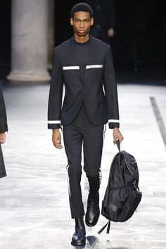Neil Barrett presented its Fall/Winter 2017 collection during Milan Fashion Week.