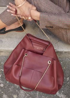 30 best designer crossbody bags to invest in 4 Tote Backpack, Leather Backpack, Leather Bag, Tote Bags, Fashion Handbags, Fashion Bags, Diy Bags Purses, Designer Crossbody Bags, Luxury Bags