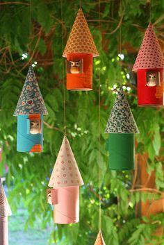 Casa de Retalhos: Um móbile muito especial {Colorful bird houses}