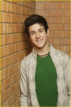 """I got Justin Russo! Which """"Wizards Of Waverly Place"""" Character Are You Based On Your Zodiac Sign? Max Russo, David Henrie, Wizards Of Waverly Place, Childhood Tv Shows, Famous Men, Hollywood Actor, Disney Channel, Cute Guys, Actors & Actresses"""