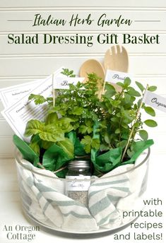 Create an herb garden inspired gift basket that includes spices, herb plants, and printable recipes to make 2 kinds of Italian Herb Salad Dressings. Perfect for weddings, birthdays or any foodie lovers! Baby Dekor, Herb Salad, Vinaigrette, Garden Gifts, Growing Herbs, Food Gifts, Tea Gifts, Kraut, Creative Gifts