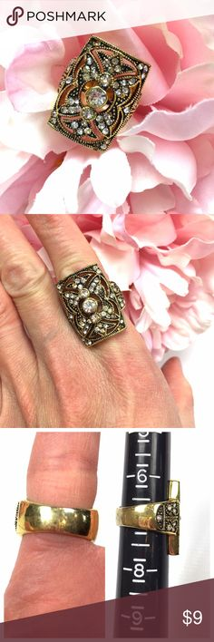 VINTAGE STYLE FAUX GOLD WHITE RHINESTONES RING VINTAGE STYLE FAUX GOLD WITH WHITE RHINESTONES RING  LIKE NEW!  VERY ART DECOR/VINTAGE  7 RING SIZE  SMOKE-FREE-HOME Jewelry Rings