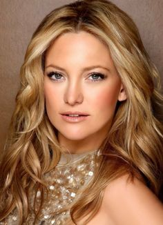 Kate Hudson Beautifully Blushed - Wedding