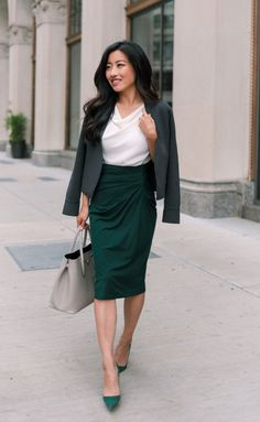 45 Trending Business Casual For Women, Summer 2020 - FeminaTalk Classic Work Outfits, Business Casual Outfits For Women, Summer Work Outfits, Casual Work Outfits, Business Dresses, Work Casual, Suits For Women, Clothes For Women, Pencil Skirt Outfits