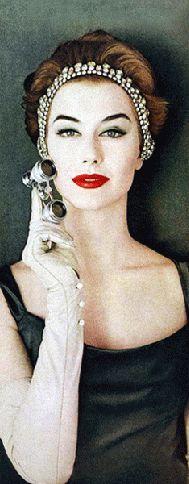 Max Factor 1956 - Nancy Berg via un-gif-dans-ta-gueule: