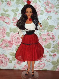 One of my favorite Barbies...Teresa. Technically, she's from 1979 but I had her well into the 80's.  : )