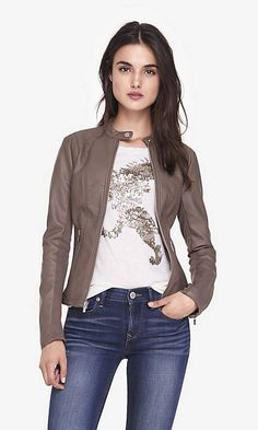 Love love love this jacket. Especially since my moto jacket now has a hole in it :(. Stitch fix stylist please please send something like this!!