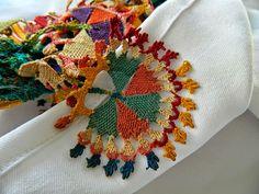 Ottoman embroidery & İğne Oyası Needlepoint Patterns, Crochet Stitches Patterns, Crochet Motif, Stitch Patterns, Knitting Patterns, Jacobean Embroidery, Embroidery Art, Needle Lace, Bobbin Lace