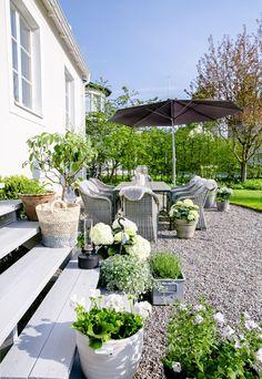 Pea Gravel Patio, Backyard Patio, Backyard Landscaping, Concrete Backyard, Landscaping Ideas, Backyard Ideas, House Of Philia, Sloped Garden, Garden Cottage