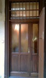 Ablakos fa bejárati ajtó, üveges bejárati ajtó - fabejaratiajto.eu